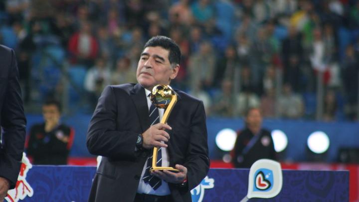Ушёл герой детства: Собчак припомнила Марадоне скандалы, дружбу с Чавесом и лучший футбол