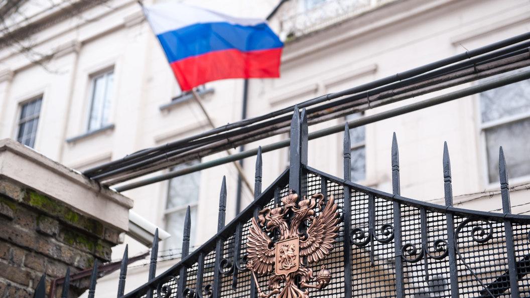 """«""""Британцы"""" завалили» посольство РФ  письмами сизвинениями поделу Скрипаля"""