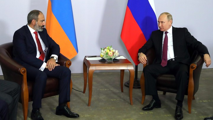 «Все нормально, еду в Москву»: Пашинян понадеялся на третью встречу с Путиным