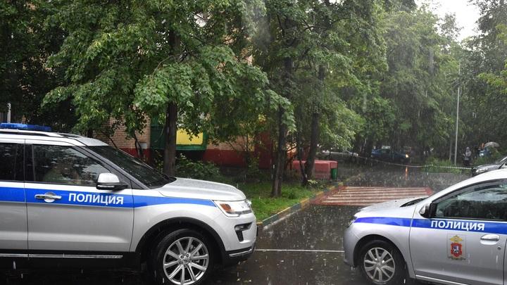 Убийство в доме депутата: Главный подозреваемый сбежал в лес, обернувшись в триколор - источник