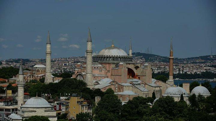 Иконы и фрески оставим на месте: Турция обещает не менять вид собора Святой Софии
