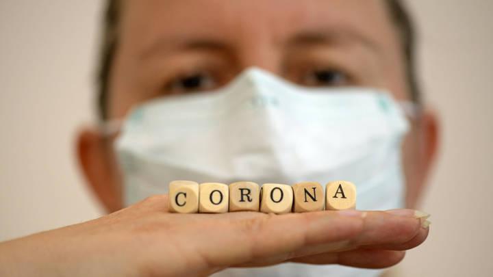 Суточный прирост заболевших COVID-19 побил рекорд. Количество смертей тоже не уменьшается