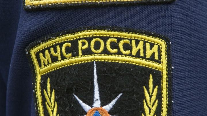 Один погиб: На месте горящих судов в Керченском проливе спасатели начали поисковую операцию