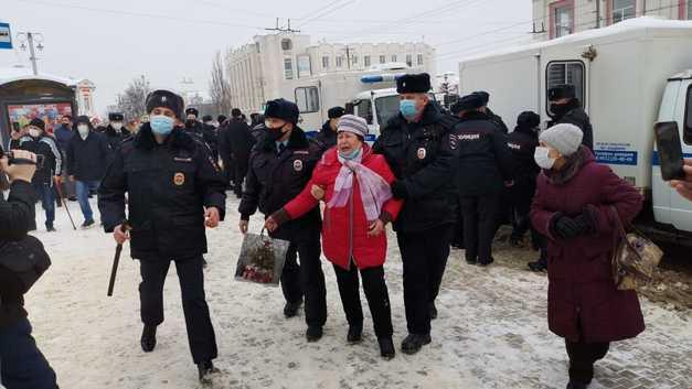 Во Владимире на шествии в поддержку Навального задержали 28 человек