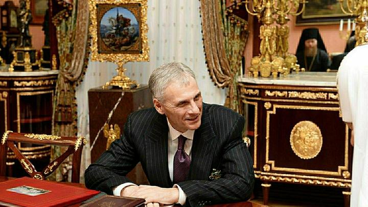 Получил право на компенсацию, но останется в колонии: ВС отменил аресты экс-главы Сахалина