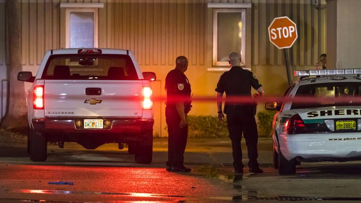 Расстрелявший в американском баре студентов был убит - полиция