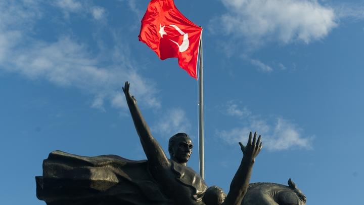 Турецкого министра назвали угрозой безопасности Австрии
