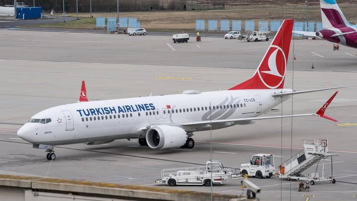 После авиакатастрофы в Эфиопии США не собираются отказываться от Боингов 737 MAX 8, а вот в РФ решили прекратить их использование