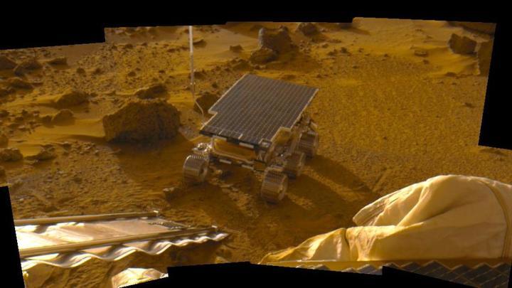 Тайны Красной планеты: На Марсе бушевали кровавые цунами, оставившие странные следы