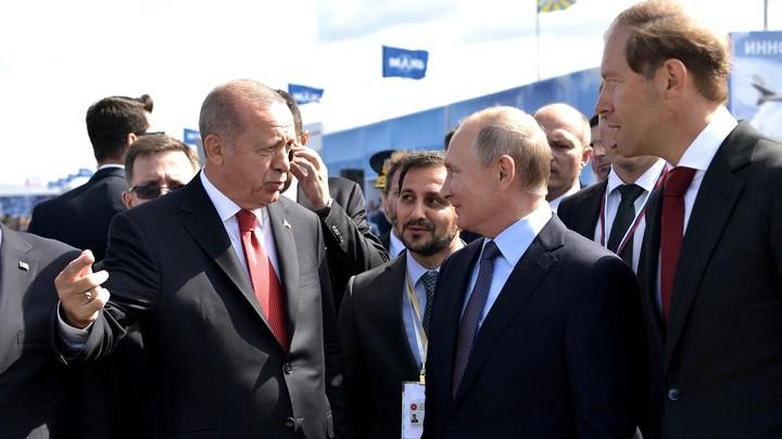Политический намёк на Крым и эксклюзивный допуск к Су-57: Чем ещё Путин удивил Эрдогана на МАКС-2019