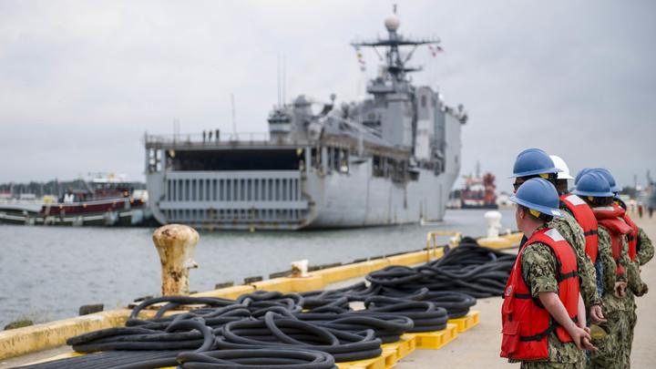 США готовят отправку военного корабля в Черное море, чтобы «ответить на Керченский пролив» - CNN