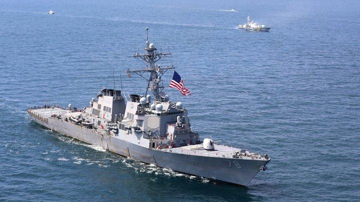 Хеллоуинская провокация: Группа боевых кораблей НАТО