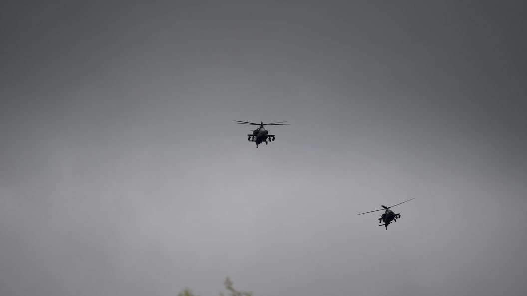 США на вертолетах вытащили главарей ИГ из-под удара России