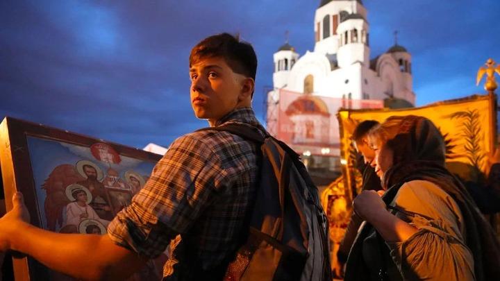 Не принуждай, не осуждай, не раскалывай: Страсти по вакцинации затронули Русскую Церковь