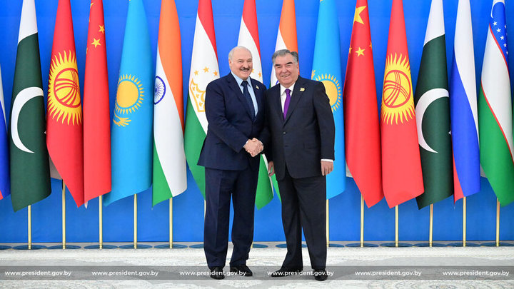 Лукашенко соберет «Минск-арену» в честь Дня единства