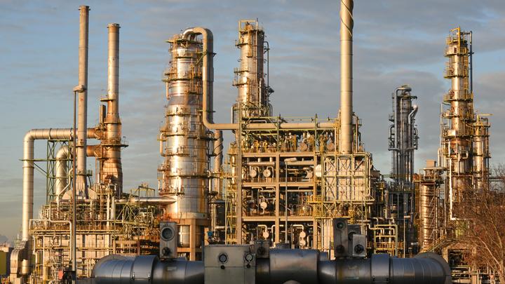 Нефтепровод Дружба очистили на треть благодаря готовности Китая выкупить отравленное сырье