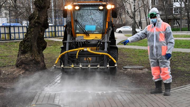 В Челябинске начнут дезинфицировать остановки и детские площадки
