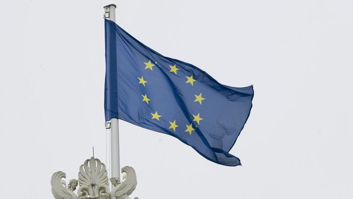 А виновата опять Россия: Еврокомиссия негодует, либеральная демократия потеряла уважение