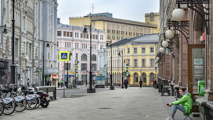 Как сходить в магазин или парк: Новое в системе пропусков в Москве