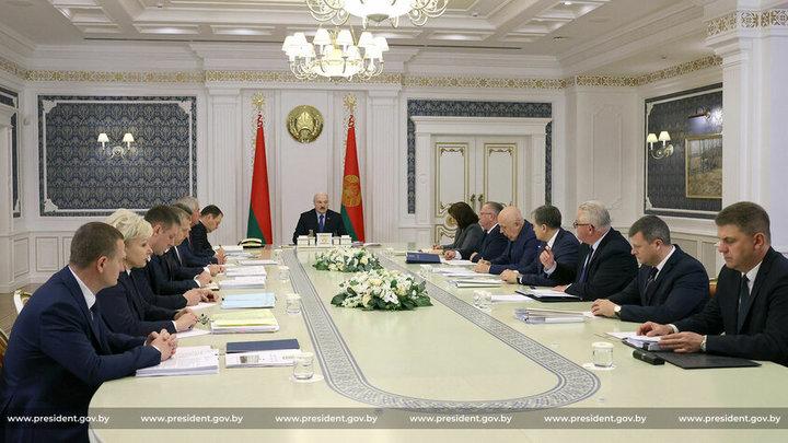 Правительство Беларуси хочет увеличить поддержку многодетных семей