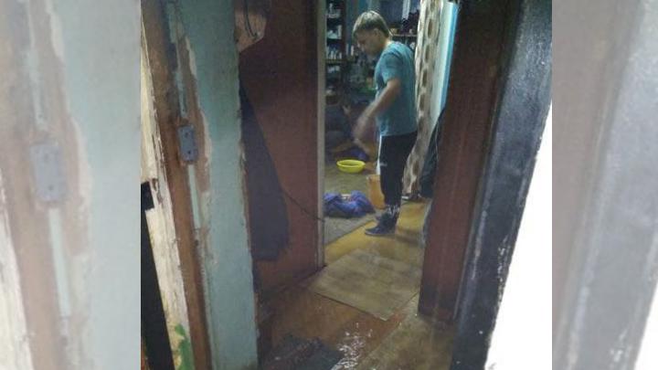 Жилой дом затопило из-за включения отопления в Челябинской области
