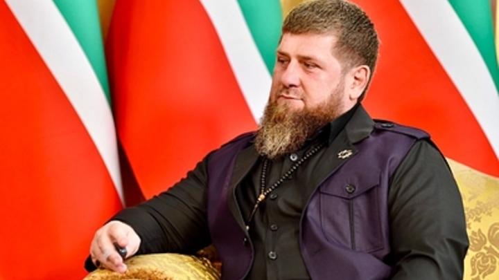 В Сети разгорается война между Байденом и Кадыровым