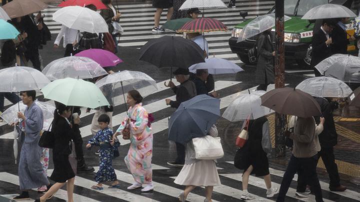 Высший уровень опасности: Во Франции - небывалая жара, в Японии - неслыханные ливни