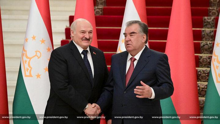 Лукашенко встречают в Таджикистане с восточной роскошью