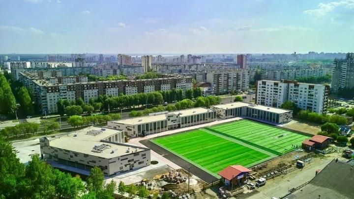 Возле лыжной базы на северо-западе Челябинска открывают 4 футбольных поля