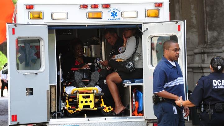 В США лихач на авто протаранил толпу пешеходов