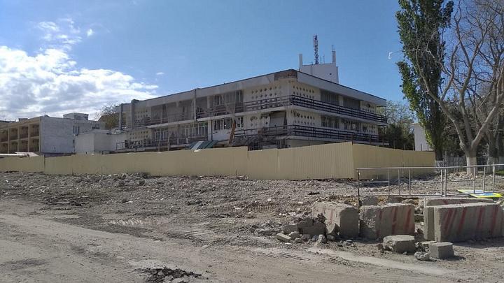В Анапе снесли 12-этажный самострой, возведенный 9 лет назад