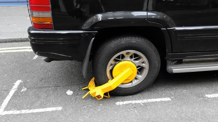 В Англии дорожного инспектора уволили за злорадство