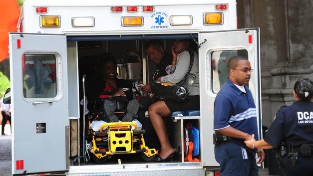 В США автомобиль влетел в бассейн: Восемь раненых