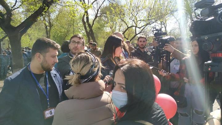 У парламента Армении где находится Пашинян собралась оппозиция