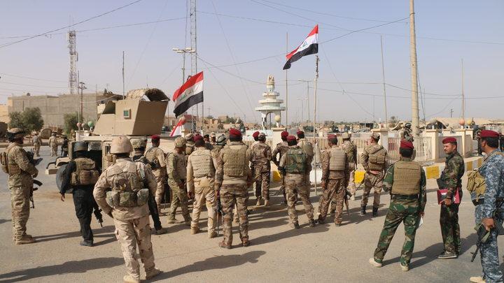 «Дайте воды»: Бунтующие иракцы сожгли президентский дворец в Басре