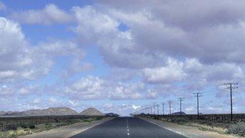 Лидер Намибии принял военный парад в кабриолете УАЗ Патриот