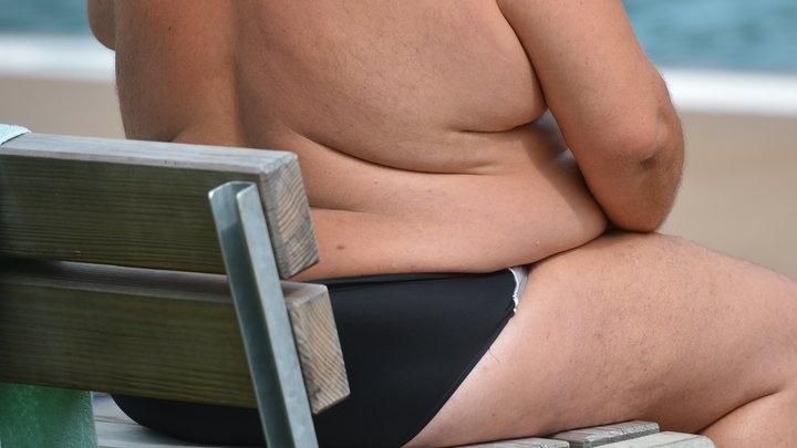 Лишний вес - показание для ИВЛ: Самоизоляция и стресс могут стать трагедией - диетолог