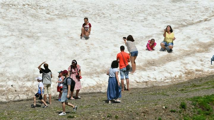 В горах Сочи выпал первый снег выше 1800 метров над уровнем моря