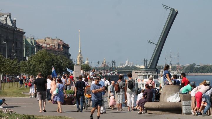 Коронавирус в Ленинградской области на 26 июля: штрафы водителей автобусов и пропуск на День ВМФ