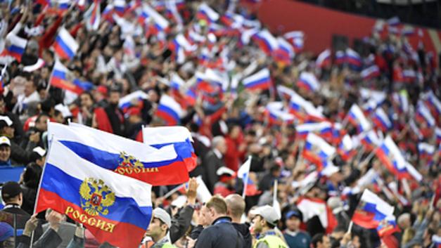 «Россия не проигрывает - она разминается»: Фанаты требуют от сборной борьбы с Уругваем