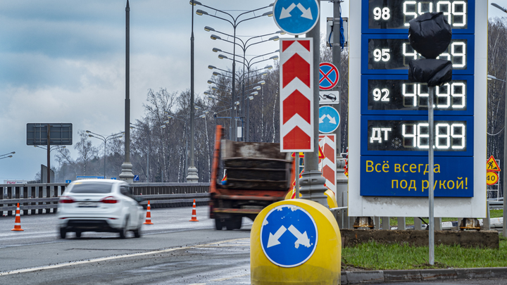 Две полосы КАД перекроют для проезда на участке между Таллинским и Красносельским шоссе