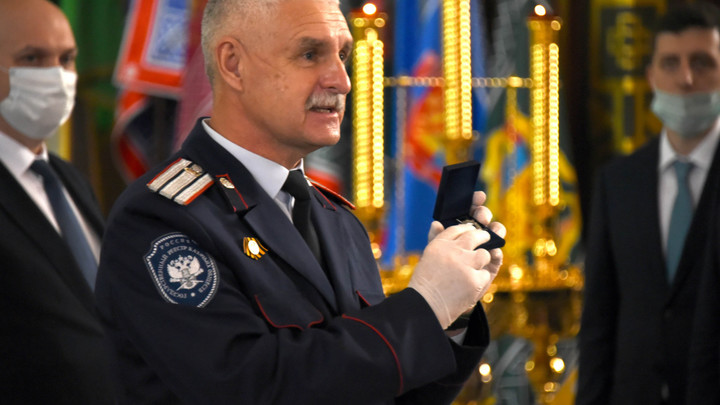 Казаков-ветеранов Великой Отечественной войны наградили за отличие в службе