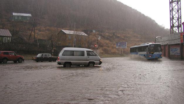 Ураган в Приморье оставил без света 25 тысяч людей