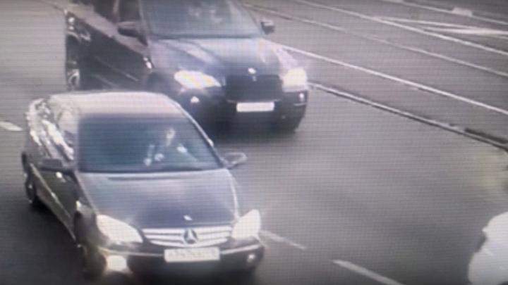 По законам гор? Вооруженный до зубов кавказец напал на водителя в Петербурге