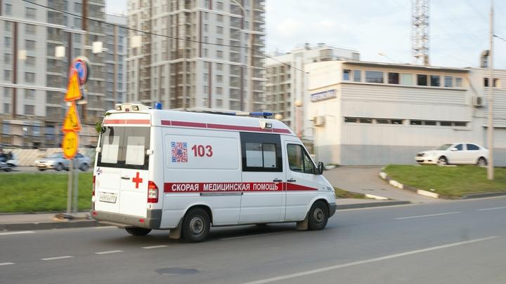 Легковушка в лобовую протаранила микроавтобус командующего ВДВ под Мурманском