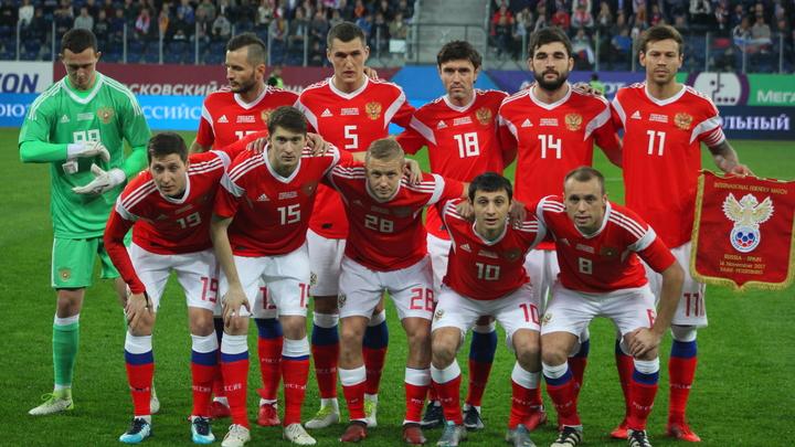 Сборная России по футболу поздравила нападающего Александра Кокорина, пожелав быстрее восстановиться после травмы