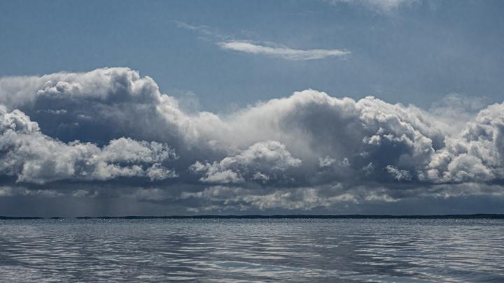 Криииик природы: Узор на водоёме в Нижнем Новгороде назвали символом уходящего года