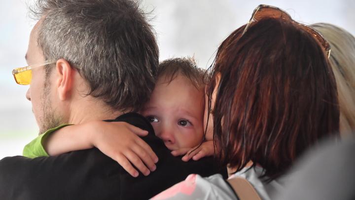 Детей поделили на касты: в Петербурге нашли сиротку в клетке