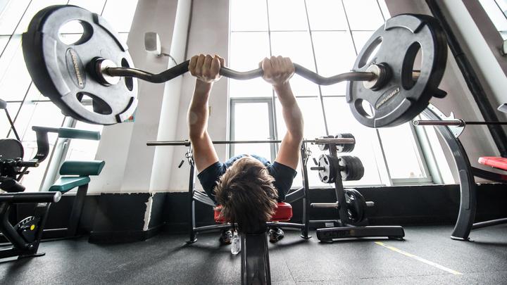 Укол между подходами: в фитнес-клубах Ленобласти откроют пункты вакцинации от COVID