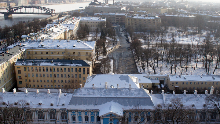 У депутатов отобрали бюджетную кормушку. В Петербурге бунт?